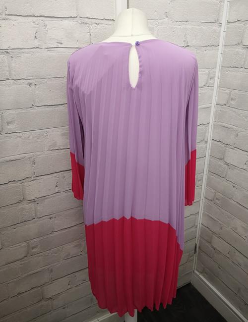 Diva's - Block Dress - Lilac - Back