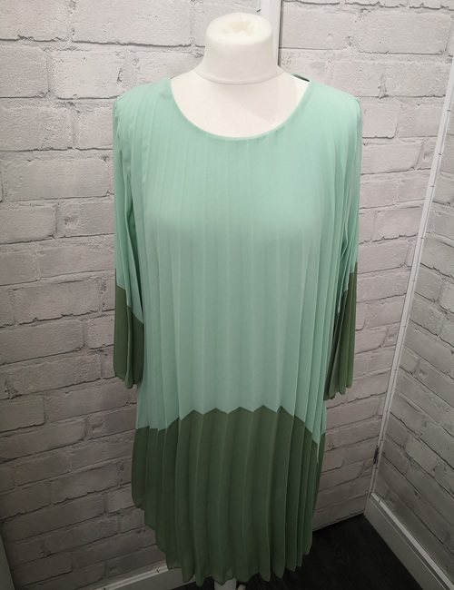 Diva's - Block Dress - Mint - Front