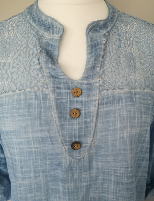 Made In Italy - Cotton & Lace Top - Light Blue - Closeup