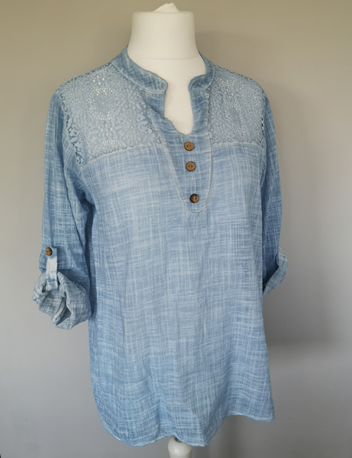 Made In Italy - Cotton & Lace Top - Light Blue