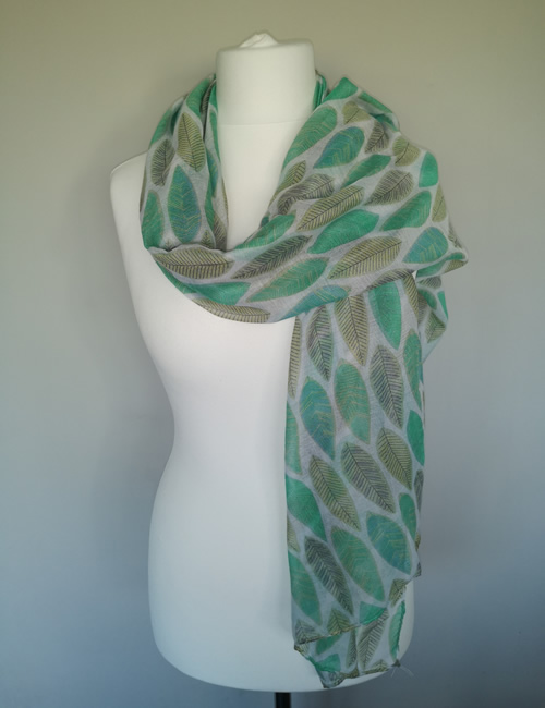 Toskatok Scarf - Green Leaves