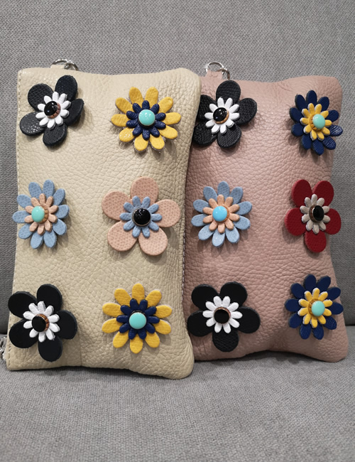Moda - Small Leather Pouches with Flowers - Beige and Salmon Pink - Front